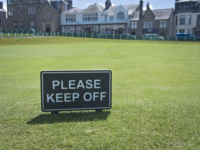 Please keep off the green.